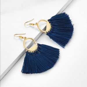 Jewelry - Blue fringe fan earrings